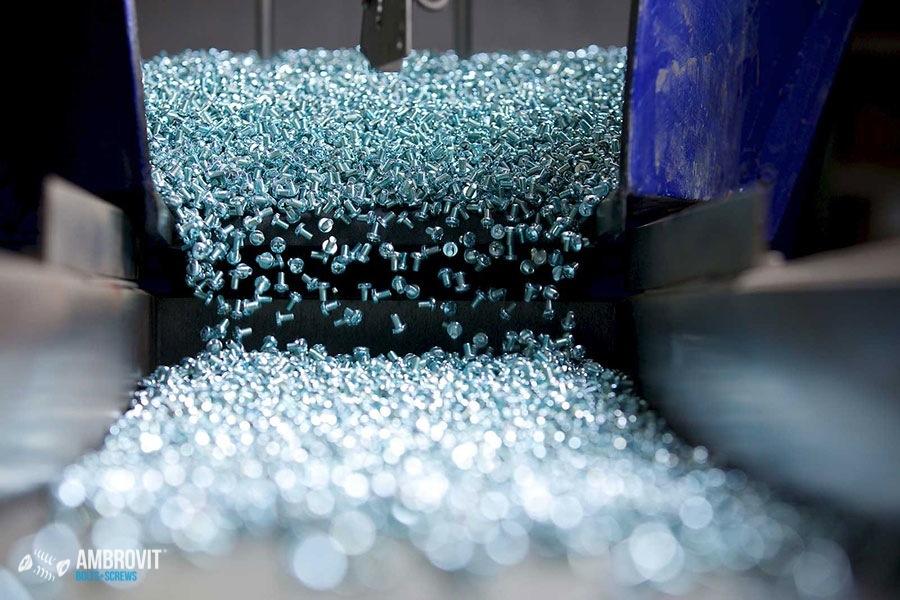 ambrovit-produzione-viti-bulloni-confezionamento-01