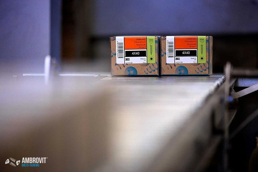ambrovit-produzione-viti-bulloni-confezionamento-05