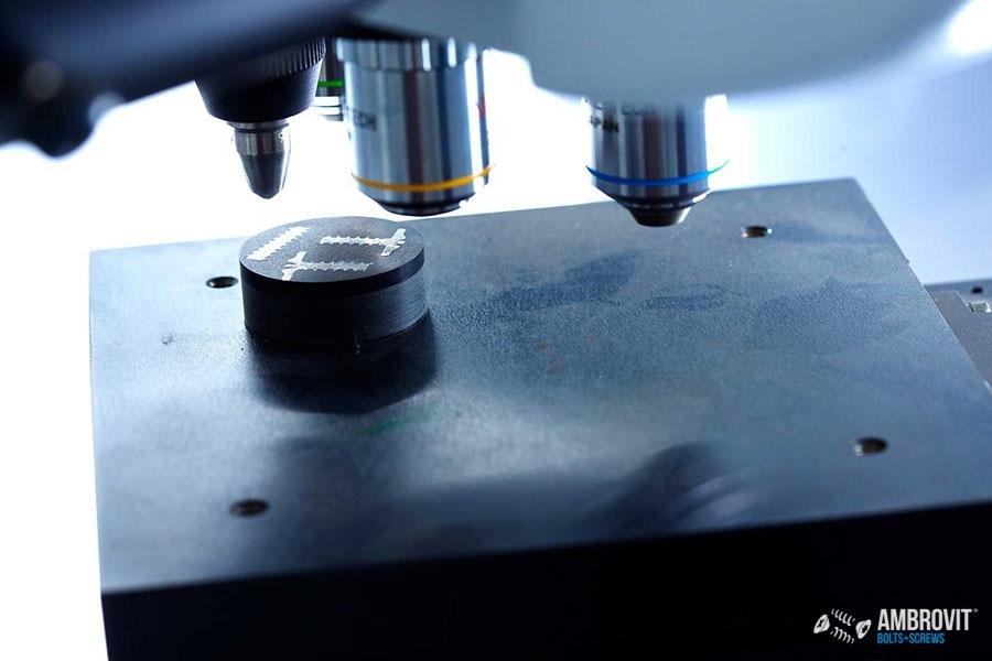 ambrovit-produzione-viti-bulloni-laboratorio-04