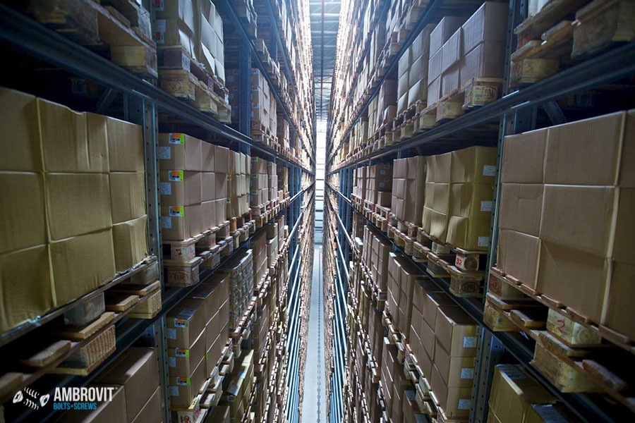 ambrovit-produzione-viti-bulloni-storage-05