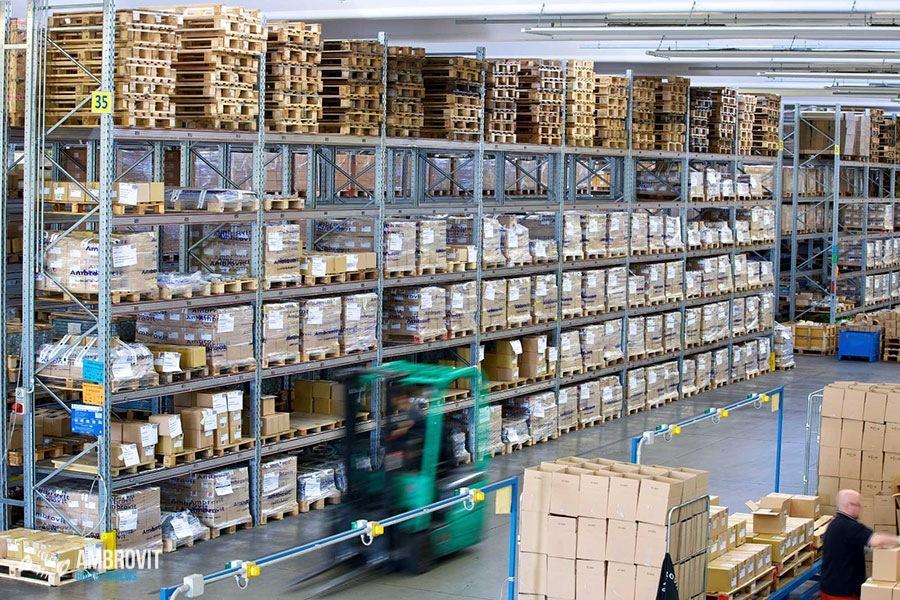 ambrovit-produzione-viti-bulloni-storage-06